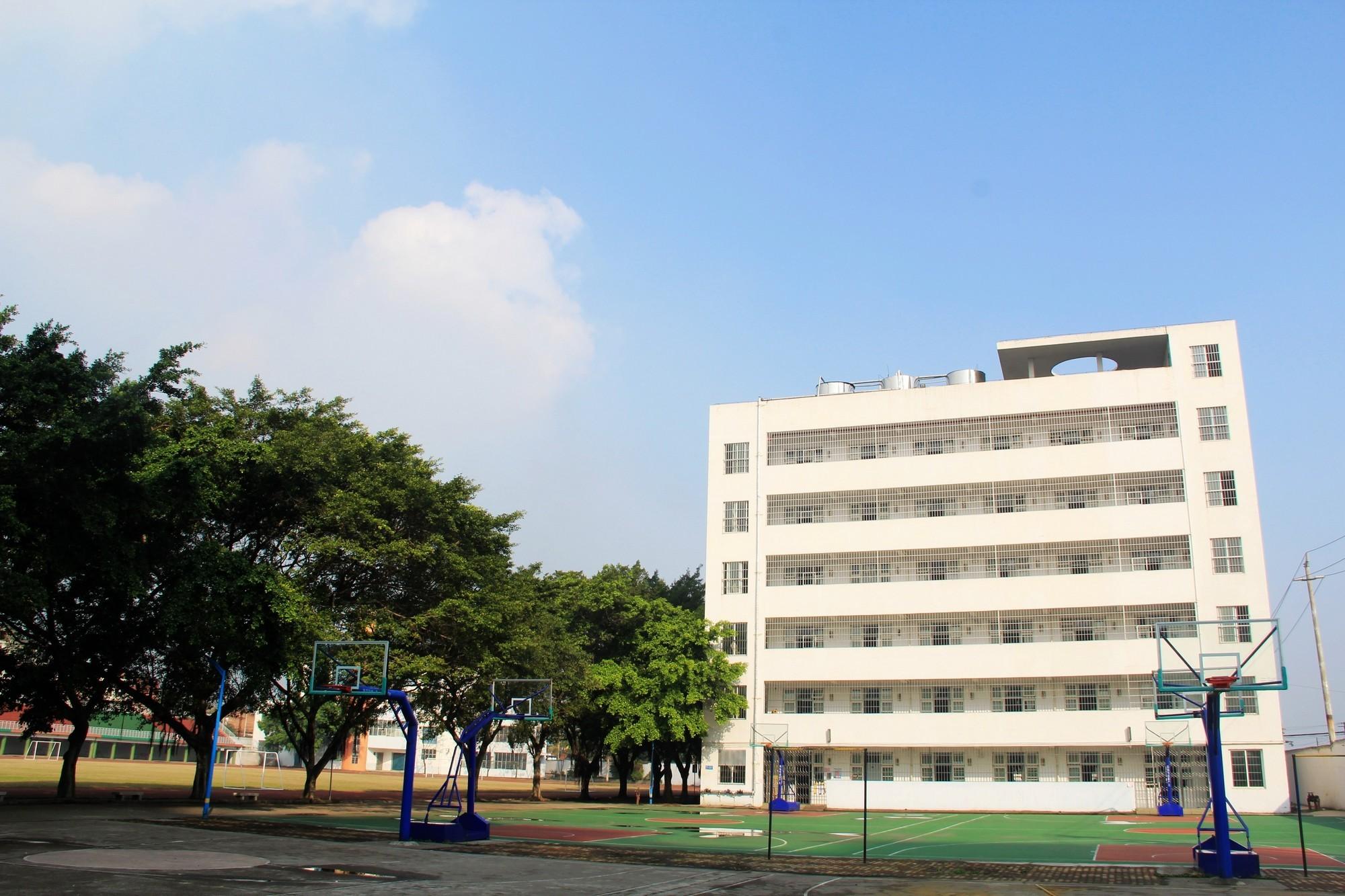 女生公寓楼
